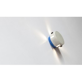 YI (Wall lamp)
